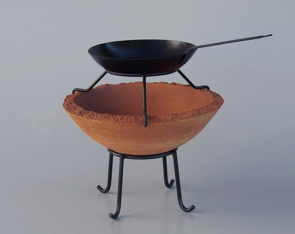 Feuerschale mit Pfannenhalter und Eisenpfanne